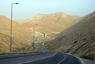 Road towards Qantab Muscat2