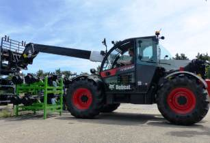 Bobcat targets heavy lift handling with new compact telehandler