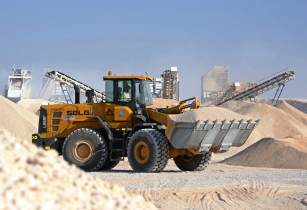 Oman aggregate plant relies on SDLG wheel loader