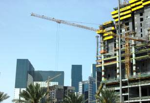 Private funding critical for mega projects in GCC, PwC reveals