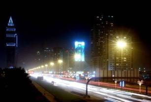 Dubai_-_busy_road