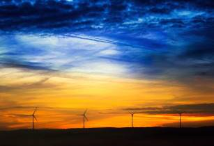 Monitoring and managing renewable energy