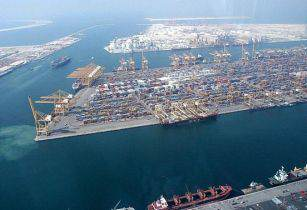 Jebel Ali Port - Imre Solt - Wikimedia Commons