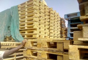 Wooden pallets dubai 0555450341